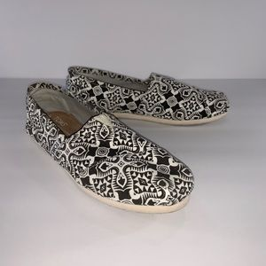 Toms White & Black Print Canvas Flats Slip ons.